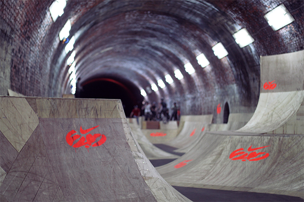 nike tunnel jam, england, juuuuicy