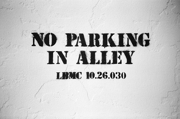 no parking, long beach, stencil, alley, olivejuuuuice, juuuuicy
