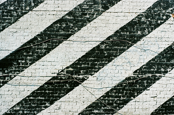 stripes, los angeles, black, white, wall, cables, juuuuicy
