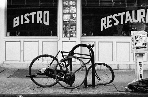 nyc, new york city, bike, lock, bistro, street, bent wheel, juuuuicy, nuno oliveira