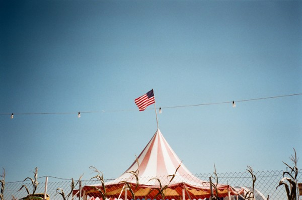 flag, tent, sky, long beach, contax t2